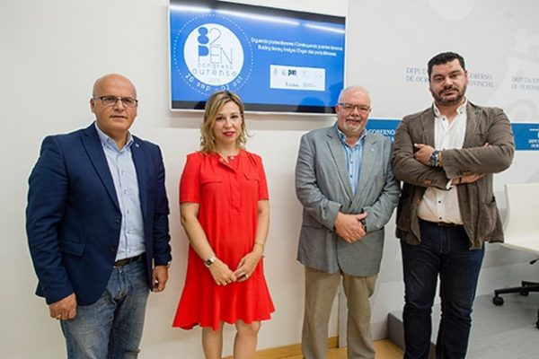 Foto de presentação do 82 congresso do Pen Club internacional em Ourense